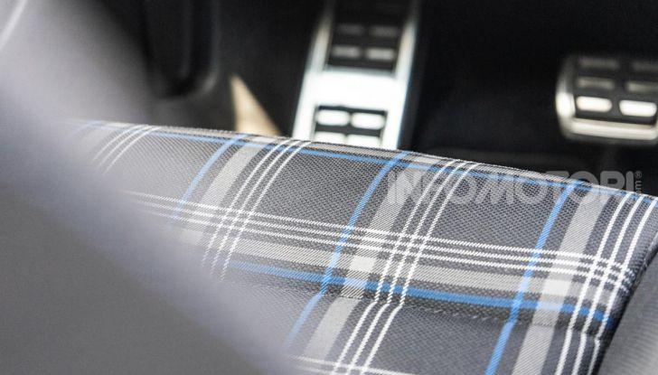 Volkswagen Golf GTE: prova su strada dell'ibrido plug-in da 204CV - Foto 16 di 33