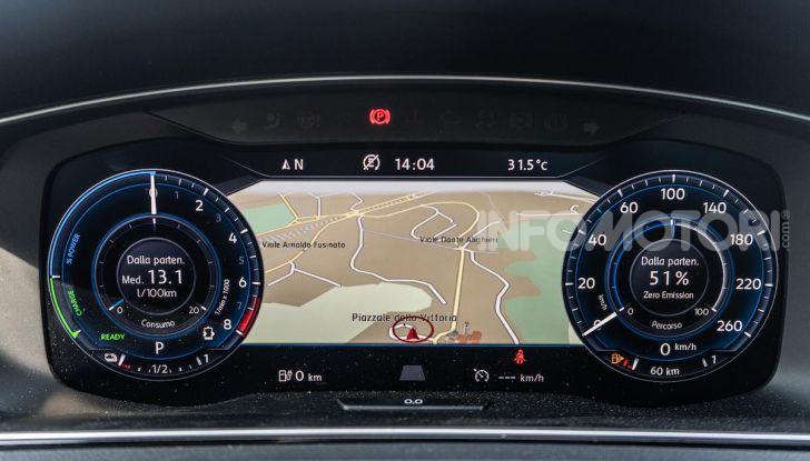 Volkswagen Golf GTE: prova su strada dell'ibrido plug-in da 204CV - Foto 20 di 33