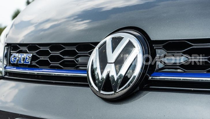 Volkswagen Golf GTE: prova su strada dell'ibrido plug-in da 204CV - Foto 5 di 33