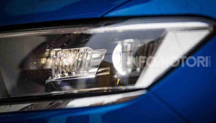 Volkswagen T-Roc 1.6 da 115CV: prova in notturna a Milano - Foto 7 di 45