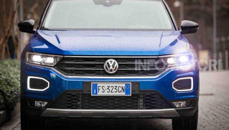 Volkswagen T-Roc 1.6 da 115CV: prova in notturna a Milano - Foto 29 di 45