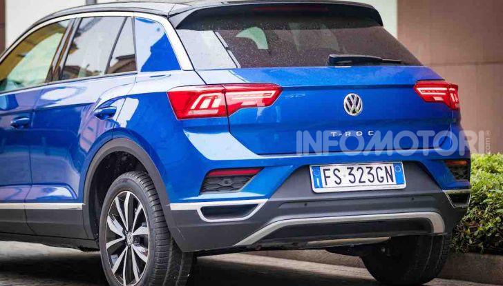 Volkswagen T-Roc 1.6 da 115CV: prova in notturna a Milano - Foto 5 di 45
