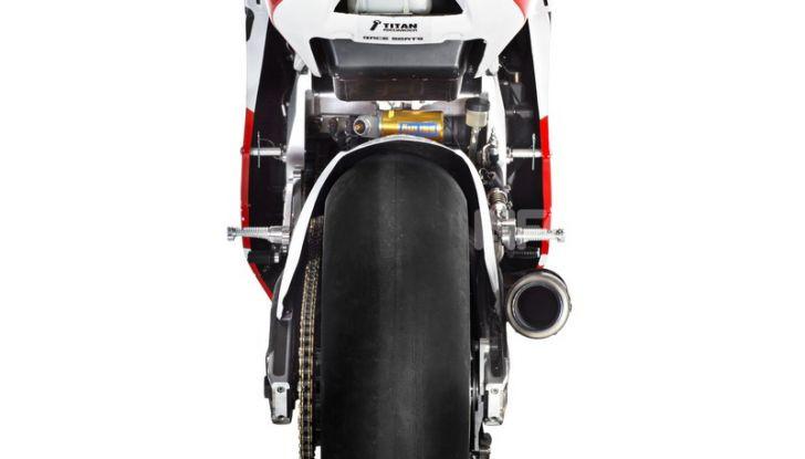 MV Agusta pronta all'esame Moto2. In sella Dominique Aegerter e Stefano Manzi - Foto 10 di 16