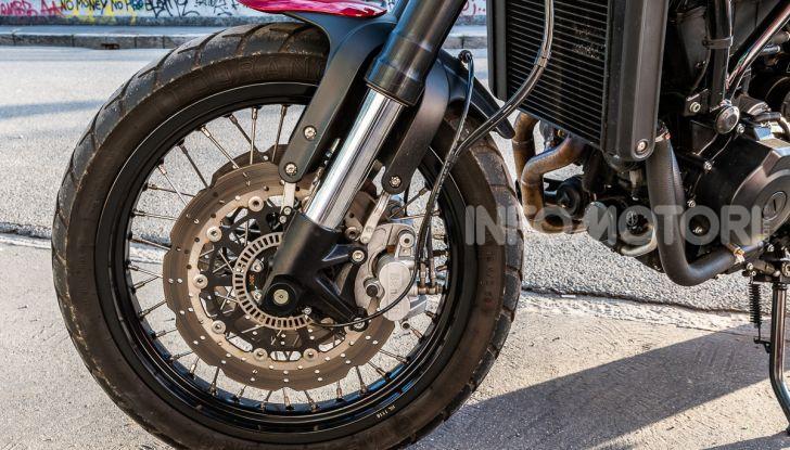 Benelli Leoncino Trail 500 ABS 2019: caratteristiche, opinioni e prezzo di un'icona senza tempo - Foto 35 di 40