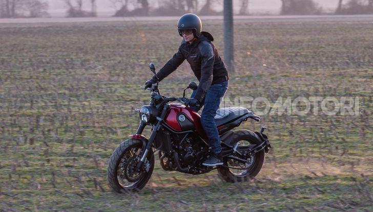 Benelli Leoncino Trail 500 ABS 2019: caratteristiche, opinioni e prezzo di un'icona senza tempo - Foto 14 di 40