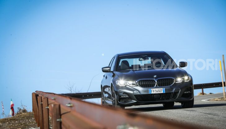 Nuova BMW Serie 3 2019, prova in anteprima, caratteristiche e prezzi - Foto 2 di 38