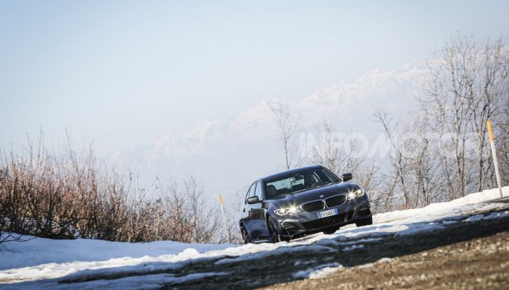 Nuova BMW Serie 3 2019, prova in anteprima, caratteristiche e prezzi - Foto 11 di 38