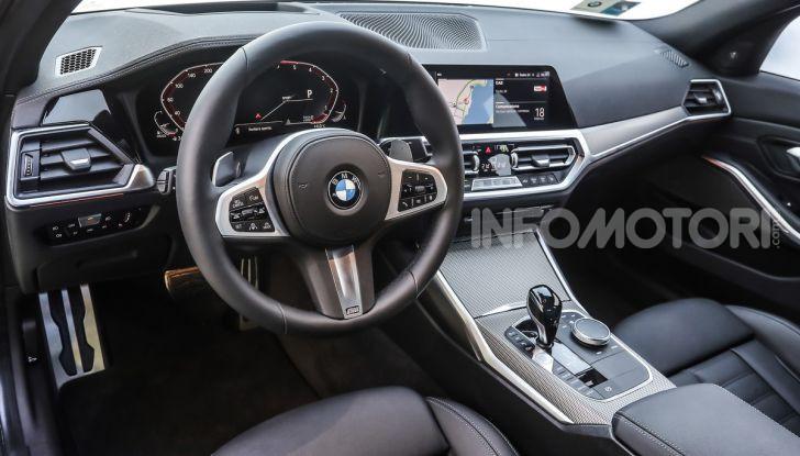 Nuova BMW Serie 3 2019, prova in anteprima, caratteristiche e prezzi - Foto 15 di 38