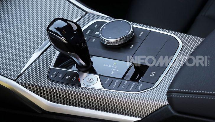 Nuova BMW Serie 3 2019, prova in anteprima, caratteristiche e prezzi - Foto 17 di 38