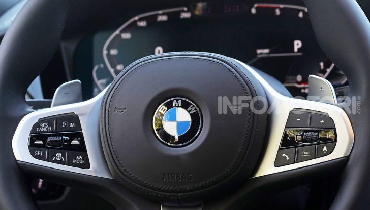Nuova BMW Serie 3 2019, prova in anteprima, caratteristiche e prezzi - Foto 19 di 38