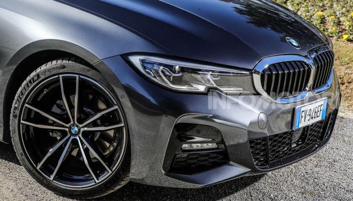 Nuova BMW Serie 3 2019, prova in anteprima, caratteristiche e prezzi - Foto 25 di 38