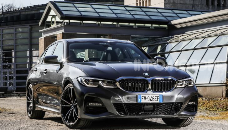 Nuova BMW Serie 3 2019, prova in anteprima, caratteristiche e prezzi - Foto 26 di 38