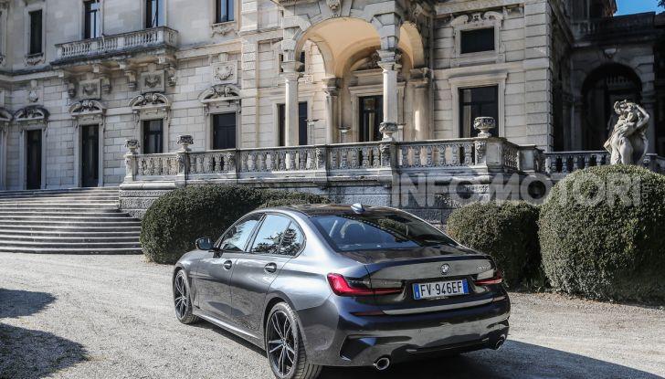 Nuova BMW Serie 3 2019, prova in anteprima, caratteristiche e prezzi - Foto 28 di 38