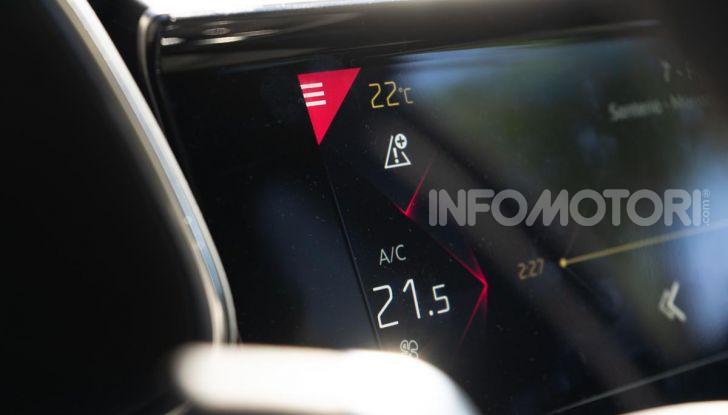Prova su strada DS 7 Crossback: caratteristiche, opinioni, motori e prezzi - Foto 10 di 33