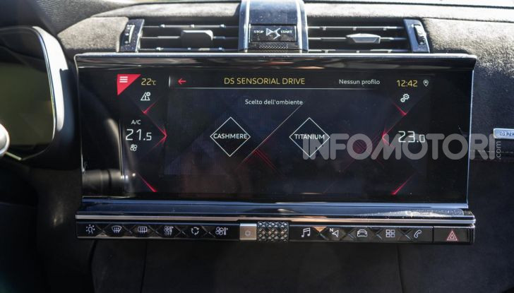 Prova su strada DS 7 Crossback: caratteristiche, opinioni, motori e prezzi - Foto 12 di 33