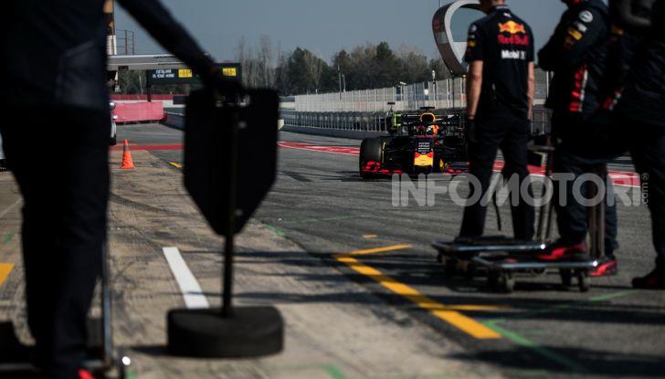 Formula 1 Test Barcellona – giorno 4: davanti la Renault di Hulkenberg - Foto 14 di 81