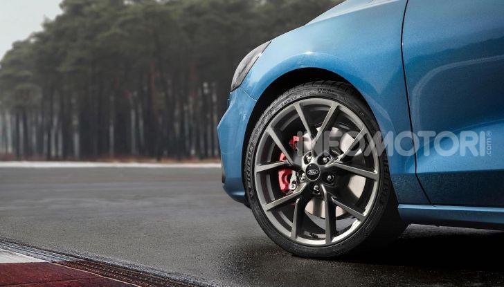 Ford Focus ST: la nuova berlina dall'animo sportivo - Foto 12 di 13