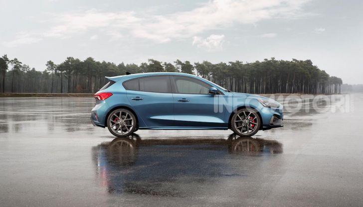 Ford Focus ST: la nuova berlina dall'animo sportivo - Foto 9 di 13