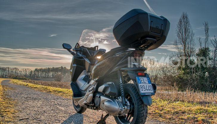 Prova Honda Forza 300, caratteristiche, opinioni e prezzo di uno dei migliori media cilindrata - Foto 2 di 55