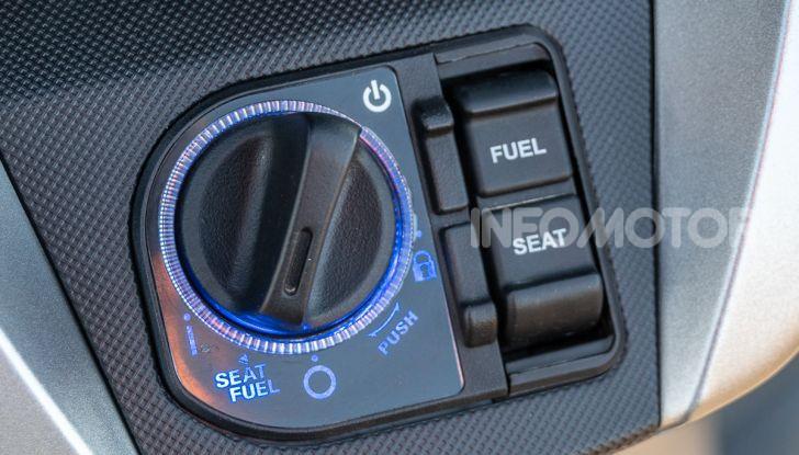 Prova Honda Forza 300, caratteristiche, opinioni e prezzo di uno dei migliori media cilindrata - Foto 11 di 55