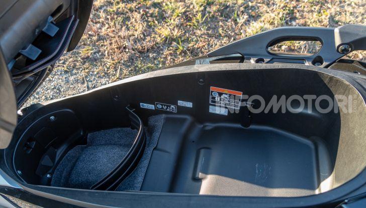 Prova Honda Forza 300, caratteristiche, opinioni e prezzo di uno dei migliori media cilindrata - Foto 12 di 55