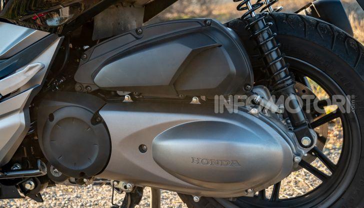 Prova Honda Forza 300, caratteristiche, opinioni e prezzo di uno dei migliori media cilindrata - Foto 13 di 55