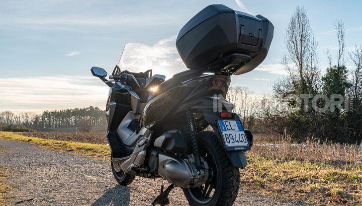 Prova Honda Forza 300, caratteristiche, opinioni e prezzo di uno dei migliori media cilindrata - Foto 15 di 55