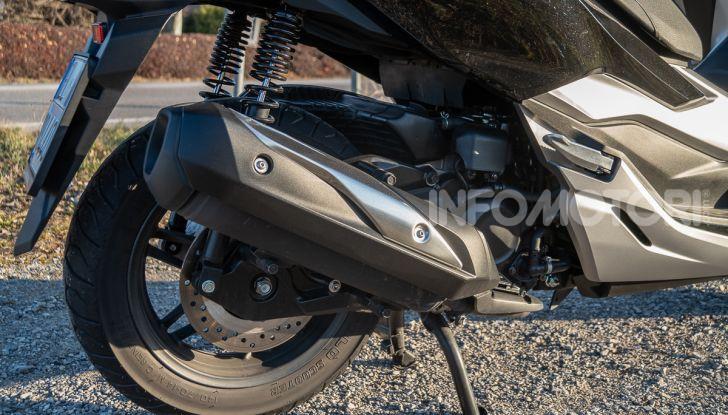 Prova Honda Forza 300, caratteristiche, opinioni e prezzo di uno dei migliori media cilindrata - Foto 16 di 55