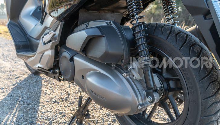Prova Honda Forza 300, caratteristiche, opinioni e prezzo di uno dei migliori media cilindrata - Foto 19 di 55