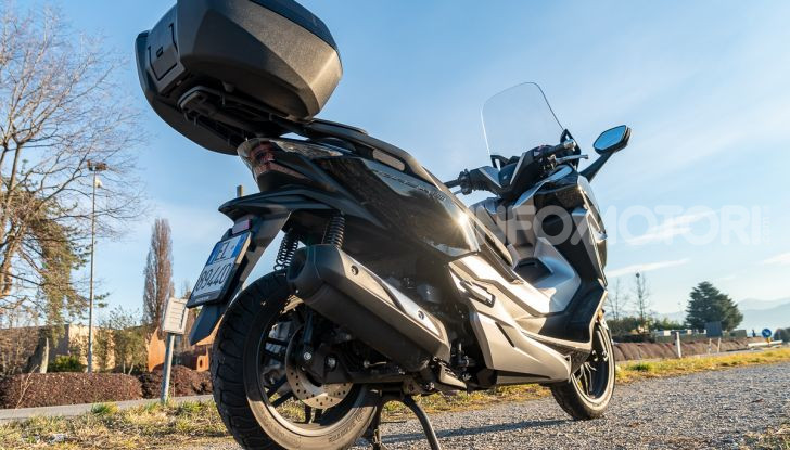 Prova Honda Forza 300, caratteristiche, opinioni e prezzo di uno dei migliori media cilindrata - Foto 20 di 55