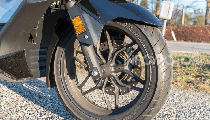 Prova Honda Forza 300, caratteristiche, opinioni e prezzo di uno dei migliori media cilindrata - Foto 21 di 55