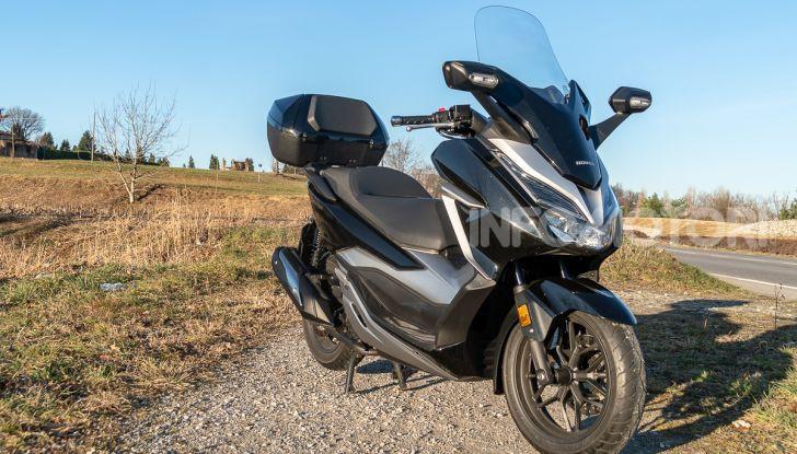 Prova Honda Forza 300, caratteristiche, opinioni e prezzo di uno dei migliori media cilindrata - Foto 22 di 55