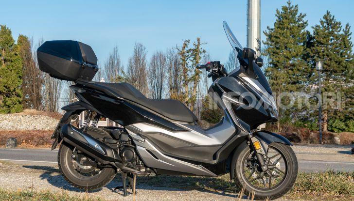 Prova Honda Forza 300, caratteristiche, opinioni e prezzo di uno dei migliori media cilindrata - Foto 23 di 55