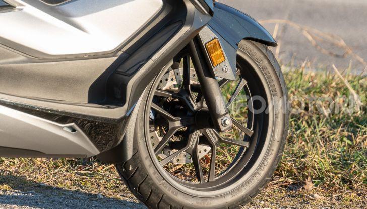 Prova Honda Forza 300, caratteristiche, opinioni e prezzo di uno dei migliori media cilindrata - Foto 27 di 55