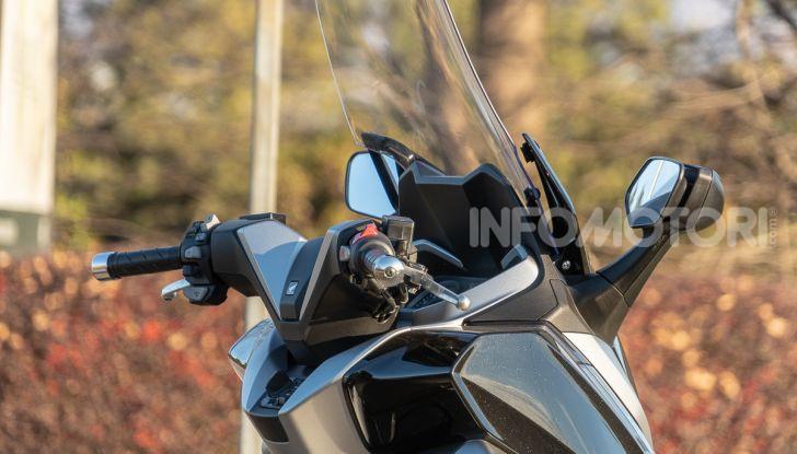 Prova Honda Forza 300, caratteristiche, opinioni e prezzo di uno dei migliori media cilindrata - Foto 28 di 55
