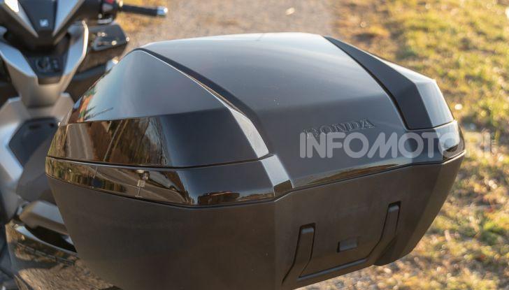 Prova Honda Forza 300, caratteristiche, opinioni e prezzo di uno dei migliori media cilindrata - Foto 36 di 55