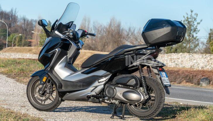 Prova Honda Forza 300, caratteristiche, opinioni e prezzo di uno dei migliori media cilindrata - Foto 39 di 55