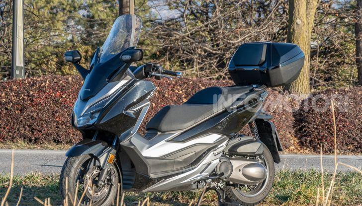 Prova Honda Forza 300, caratteristiche, opinioni e prezzo di uno dei migliori media cilindrata - Foto 42 di 55