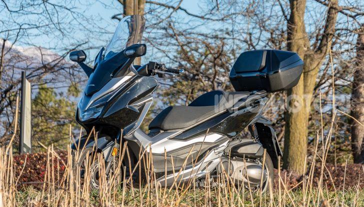 Prova Honda Forza 300, caratteristiche, opinioni e prezzo di uno dei migliori media cilindrata - Foto 43 di 55