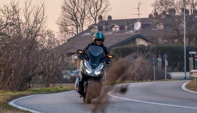 Prova Honda Forza 300, caratteristiche, opinioni e prezzo di uno dei migliori media cilindrata