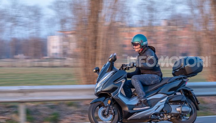 Prova Honda Forza 300, caratteristiche, opinioni e prezzo di uno dei migliori media cilindrata - Foto 46 di 55