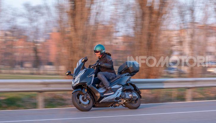 Prova Honda Forza 300, caratteristiche, opinioni e prezzo di uno dei migliori media cilindrata - Foto 55 di 55