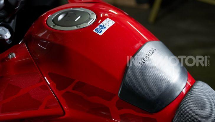 Prova Honda CB500X 2019: 19″ all'anteriore, caratteristiche, prezzo e impressioni - Foto 30 di 42