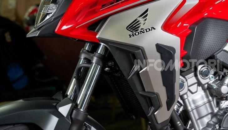 Prova Honda CB500X 2019: 19″ all'anteriore, caratteristiche, prezzo e impressioni - Foto 33 di 42