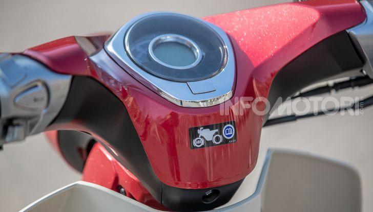 Prova Honda Super Cub C125: caratteristiche, opinioni e prezzi - Foto 3 di 59