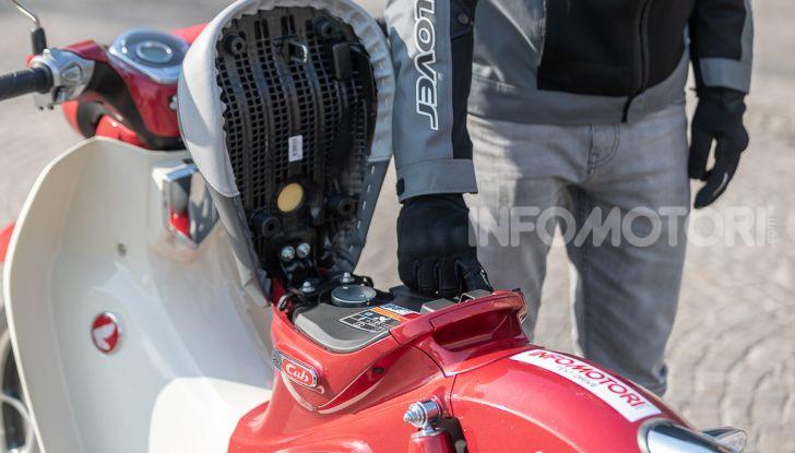 Prova Honda Super Cub C125: caratteristiche, opinioni e prezzi - Foto 11 di 59
