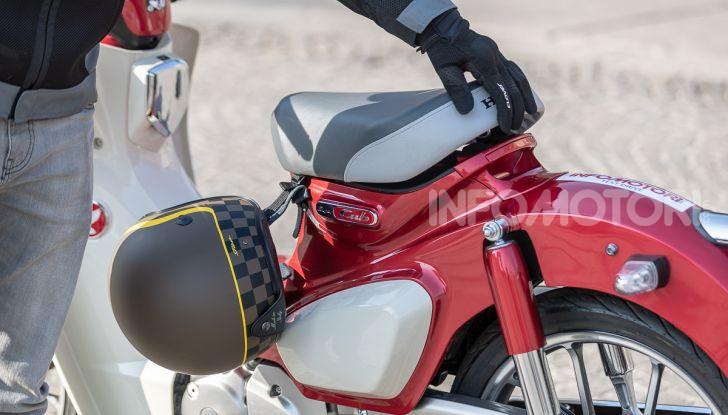 Prova Honda Super Cub C125: caratteristiche, opinioni e prezzi - Foto 13 di 59