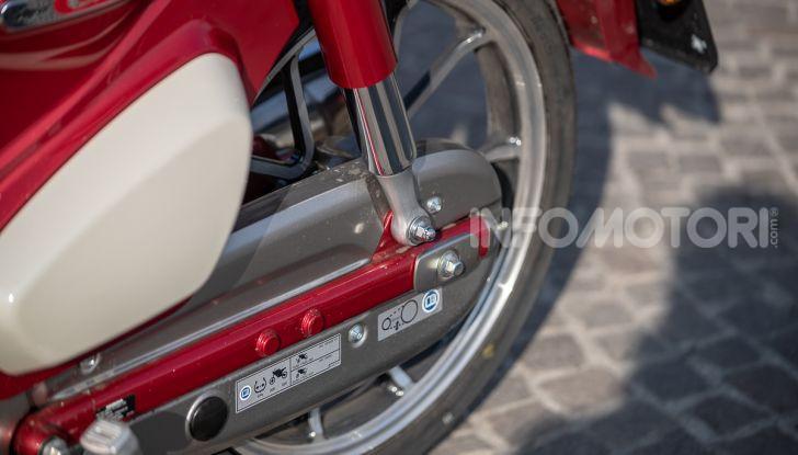 Prova Honda Super Cub C125: caratteristiche, opinioni e prezzi - Foto 18 di 59