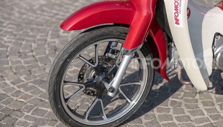 Prova Honda Super Cub C125: caratteristiche, opinioni e prezzi - Foto 20 di 59