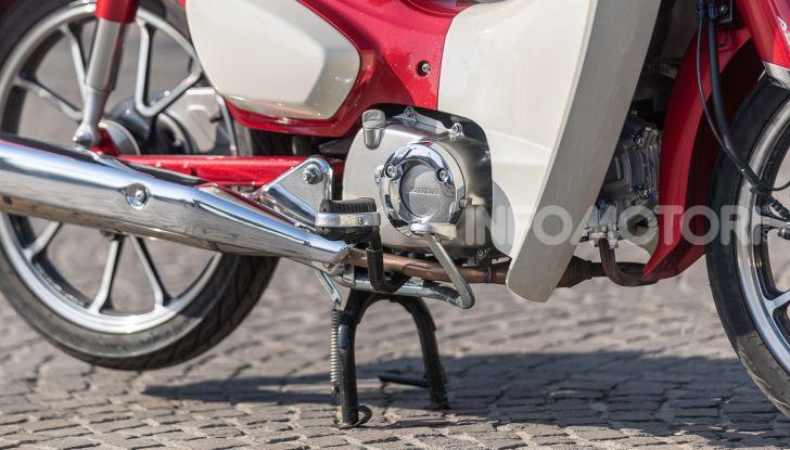 Prova Honda Super Cub C125: caratteristiche, opinioni e prezzi - Foto 25 di 59